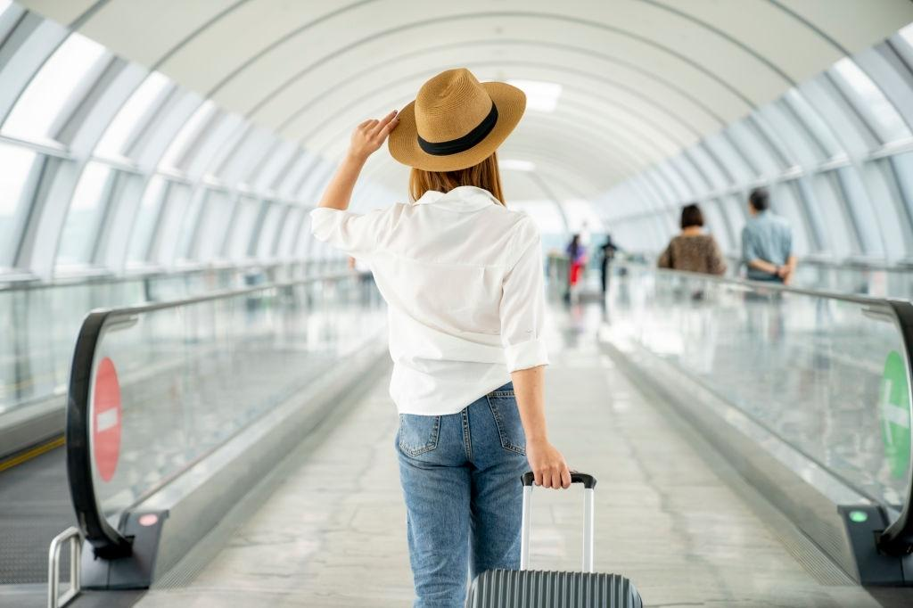 The travel season is upon us again! Are you and your contact lenses ready?